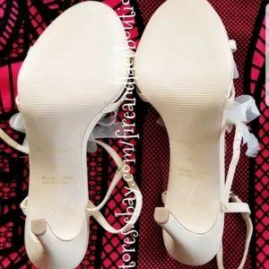 Ann Taylor Shoes - 💥NEW💥 ANN TAYLOR HEELS SZ 9